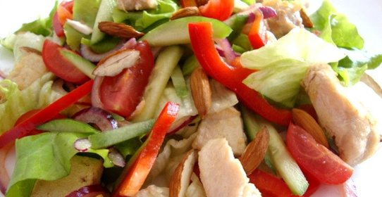 салат с курицей и кунжутом фото
