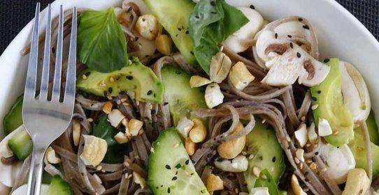 Салат с лапшой и грибами рецепт с